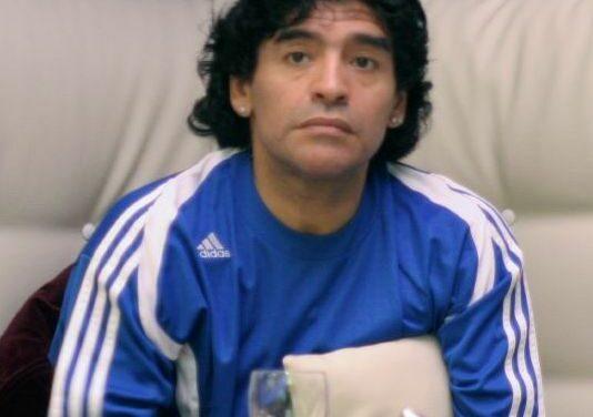 Castro y Maradona, al vertedero